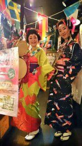 昭和レトロ酒場「半兵ヱ」歌舞伎町2店のチンドン屋デーです
